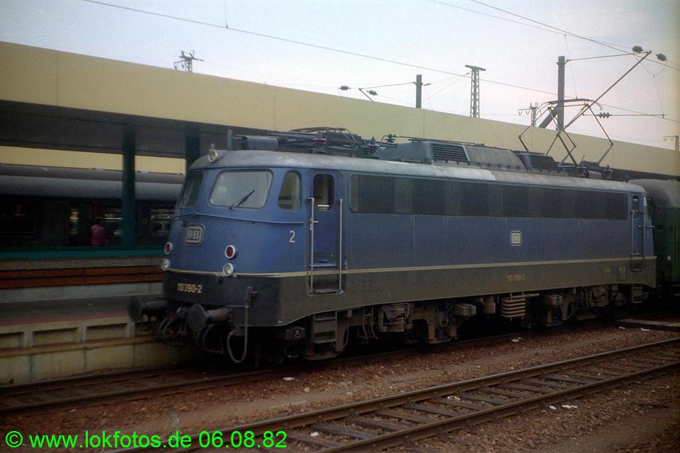 http://www.lokfotos.de/fotos/1982/0806/01656.jpg