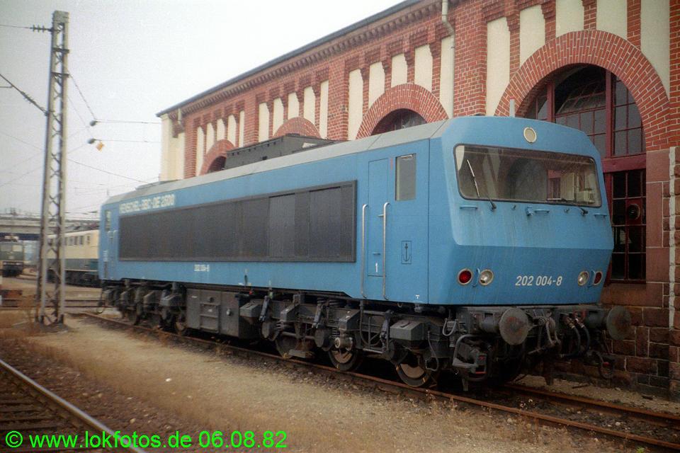 http://www.lokfotos.de/fotos/1982/0806/01657.jpg