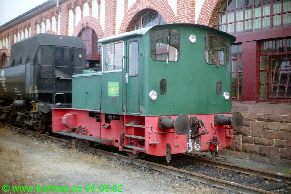 http://www.lokfotos.de/fotos/1982/0806/01660.jpg