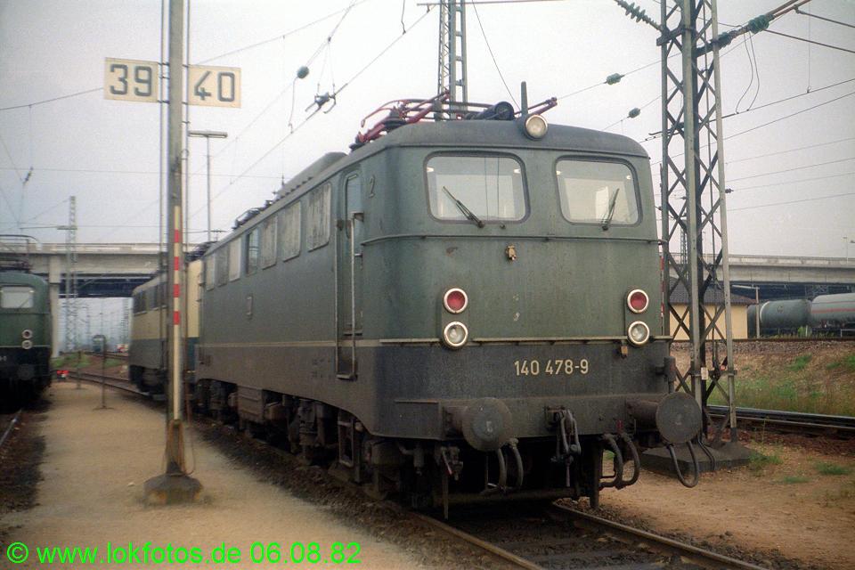 http://www.lokfotos.de/fotos/1982/0806/01662.jpg