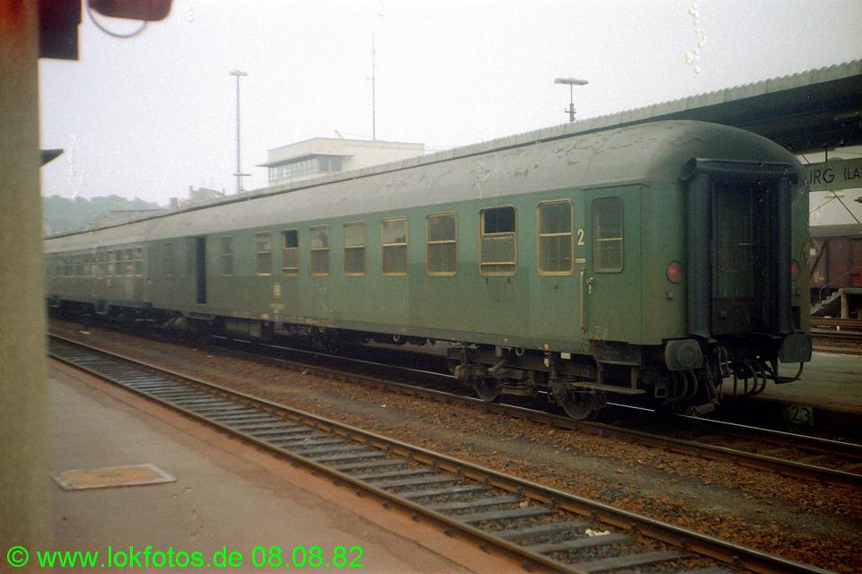 http://www.lokfotos.de/fotos/1982/0808/01677.jpg
