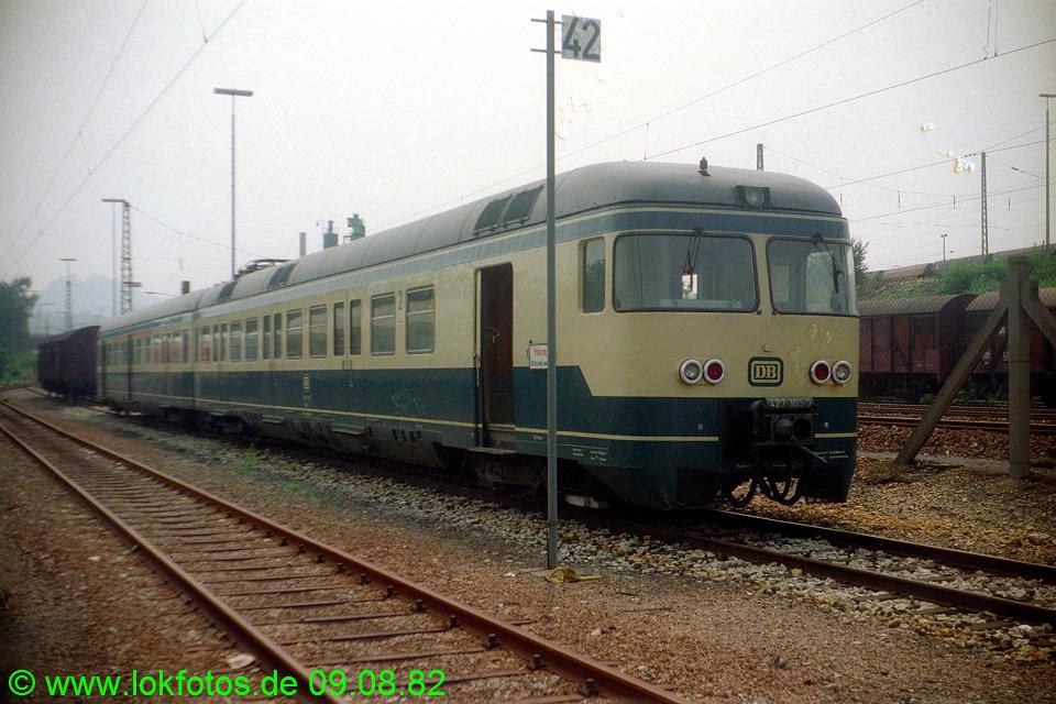 http://www.lokfotos.de/fotos/1982/0809/01689.jpg