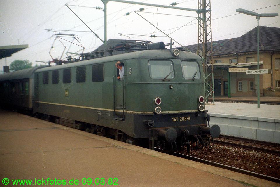 http://www.lokfotos.de/fotos/1982/0809/01693.jpg
