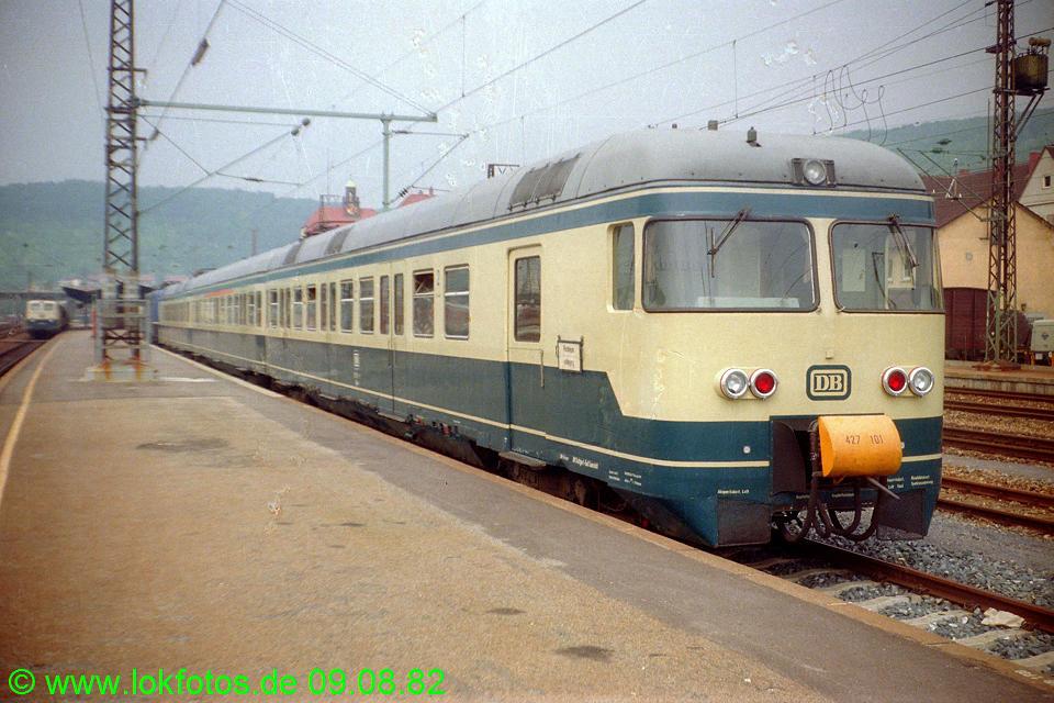 http://www.lokfotos.de/fotos/1982/0809/01696.jpg
