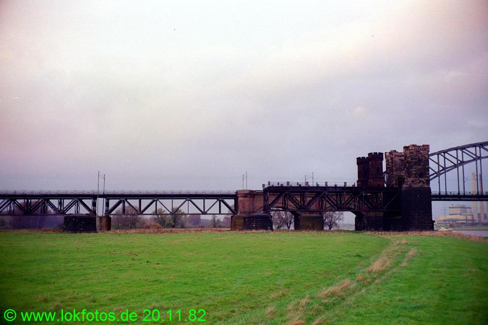http://www.lokfotos.de/fotos/1982/1120/01767.jpg