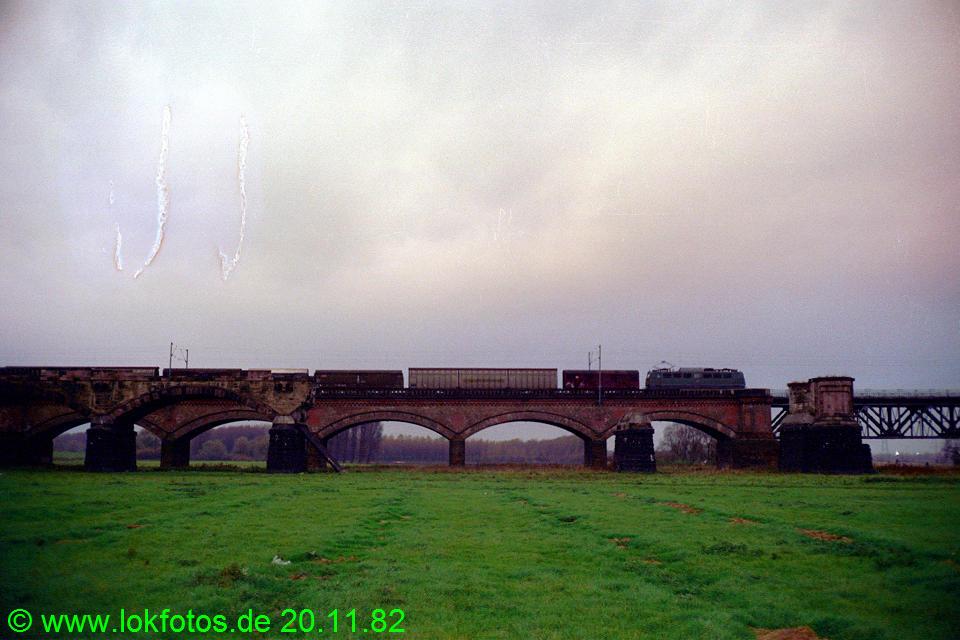 http://www.lokfotos.de/fotos/1982/1120/01768.jpg