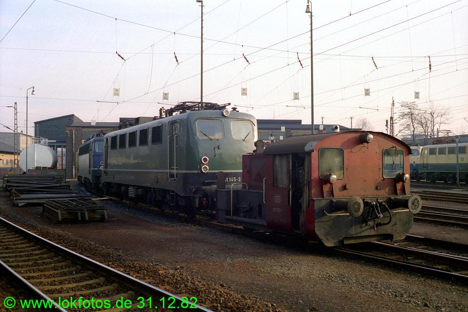 http://www.lokfotos.de/fotos/1982/1231/01790.jpg