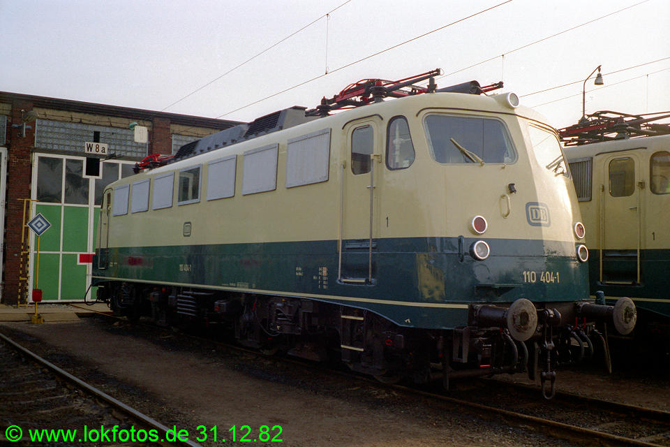 http://www.lokfotos.de/fotos/1982/1231/01791.jpg