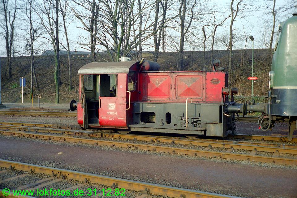 http://www.lokfotos.de/fotos/1982/1231/01792.jpg