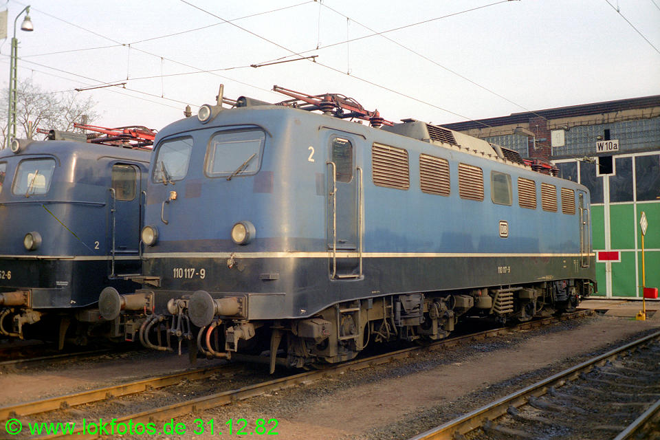 http://www.lokfotos.de/fotos/1982/1231/01793.jpg