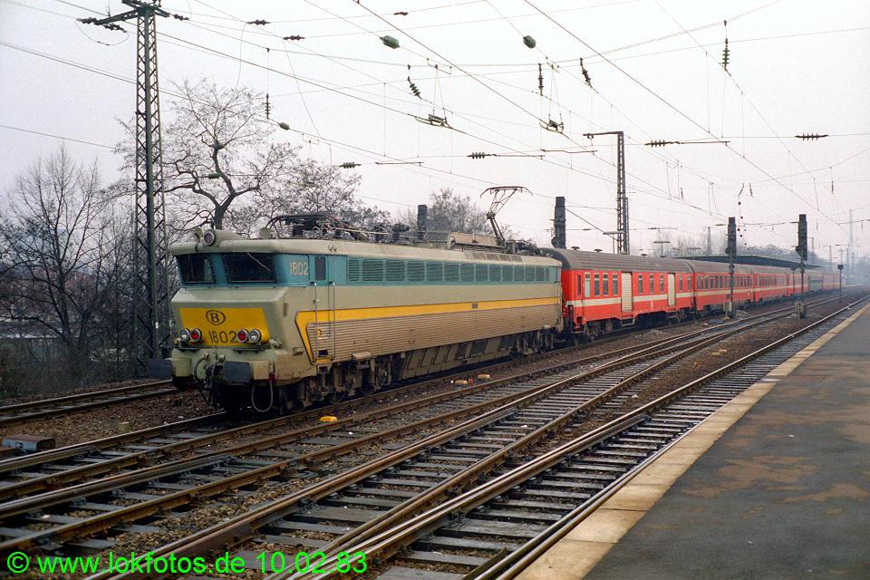 http://www.lokfotos.de/fotos/1983/0210/01819.jpg