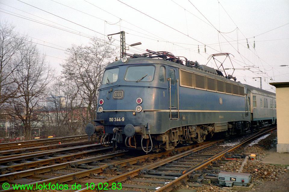 http://www.lokfotos.de/fotos/1983/0210/01827.jpg