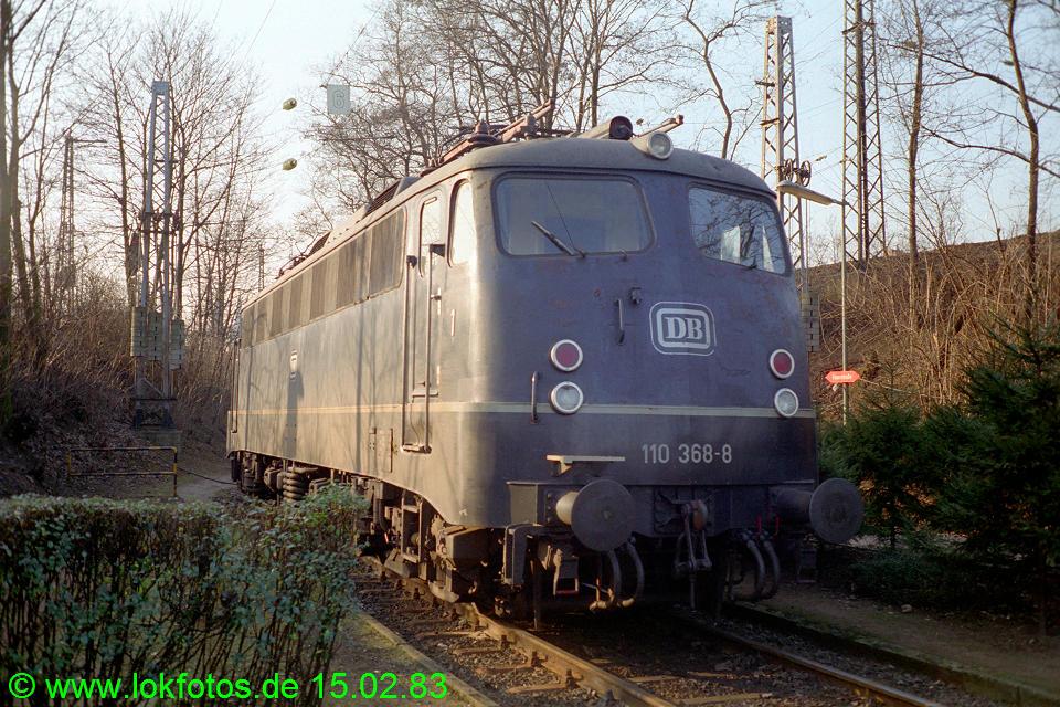 http://www.lokfotos.de/fotos/1983/0215/01834.jpg