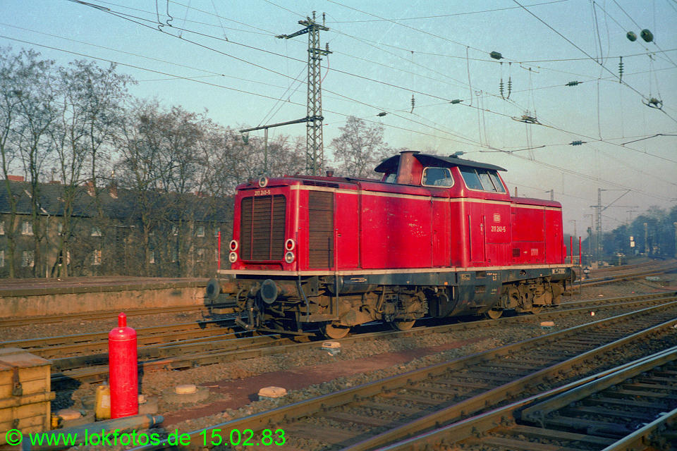 http://www.lokfotos.de/fotos/1983/0215/01838.jpg