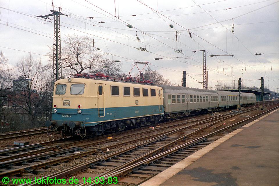 http://www.lokfotos.de/fotos/1983/0314/01863.jpg