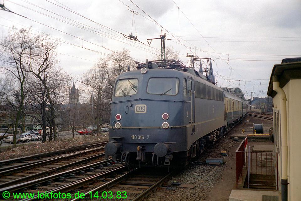 http://www.lokfotos.de/fotos/1983/0314/01875.jpg