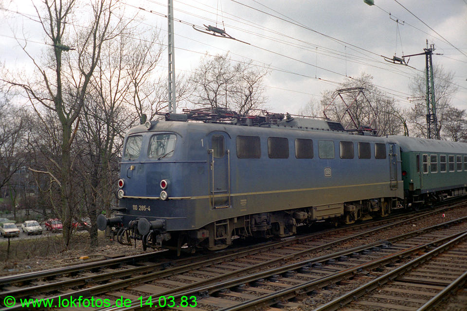 http://www.lokfotos.de/fotos/1983/0314/01876.jpg