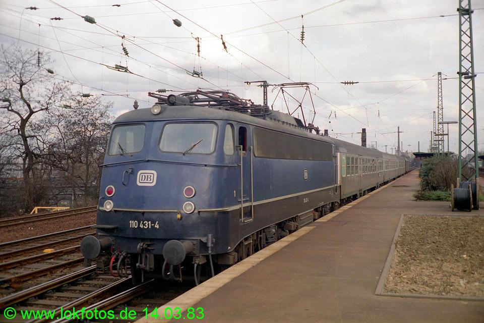 http://www.lokfotos.de/fotos/1983/0314/01886.jpg