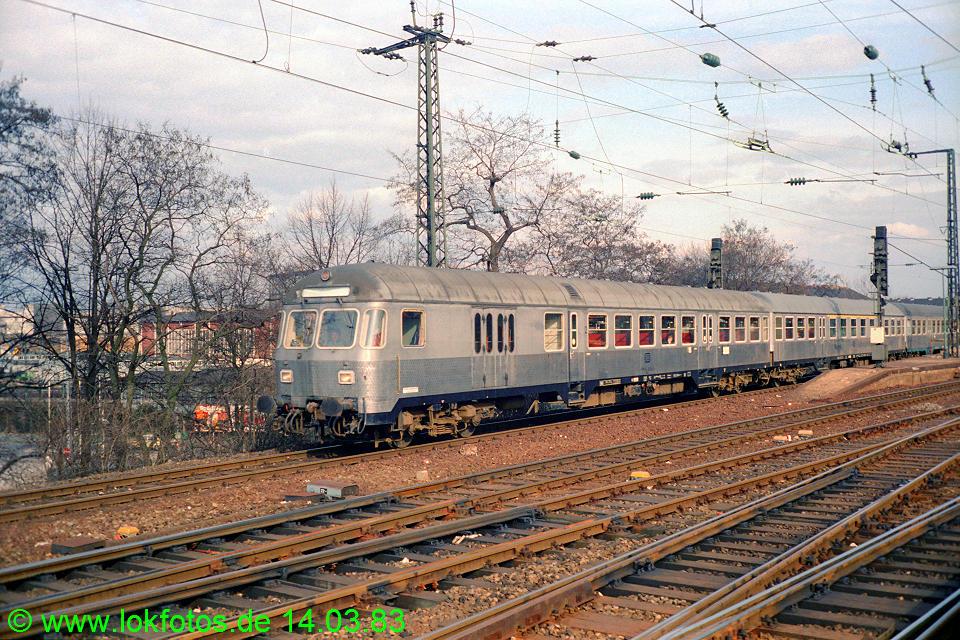 http://www.lokfotos.de/fotos/1983/0314/01891.jpg