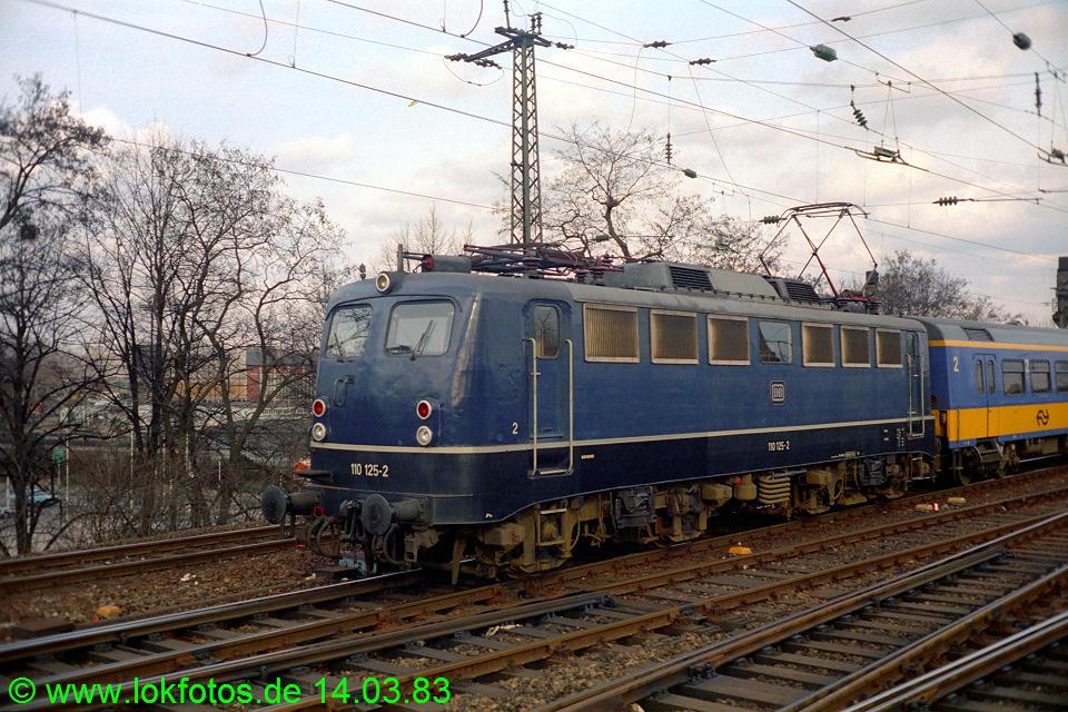 http://www.lokfotos.de/fotos/1983/0314/01895.jpg