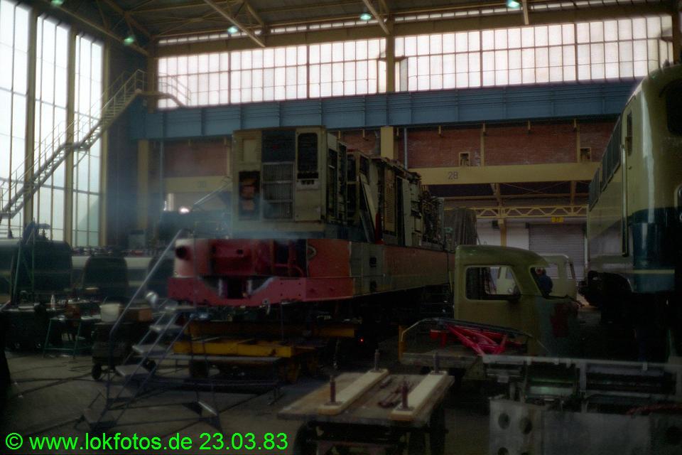 http://www.lokfotos.de/fotos/1983/0323/01922.jpg