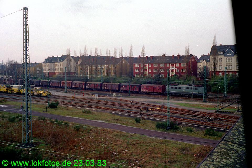 http://www.lokfotos.de/fotos/1983/0323/01944.jpg