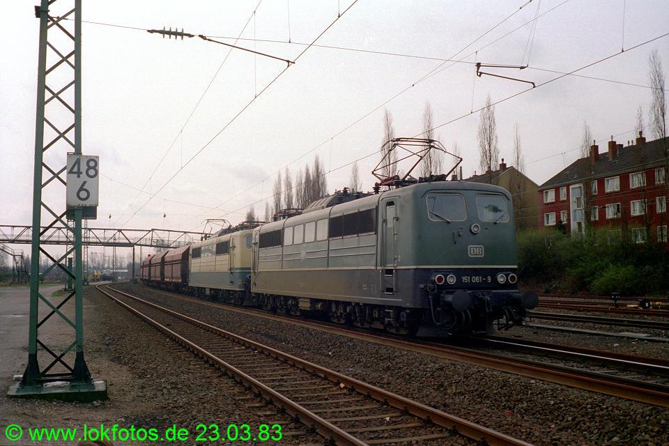 http://www.lokfotos.de/fotos/1983/0323/01945.jpg