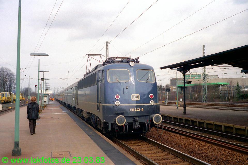 http://www.lokfotos.de/fotos/1983/0323/01947.jpg