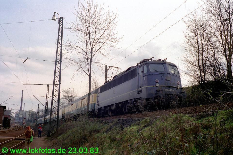 http://www.lokfotos.de/fotos/1983/0323/01950.jpg