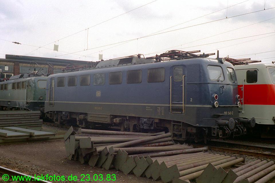 http://www.lokfotos.de/fotos/1983/0323/01954.jpg