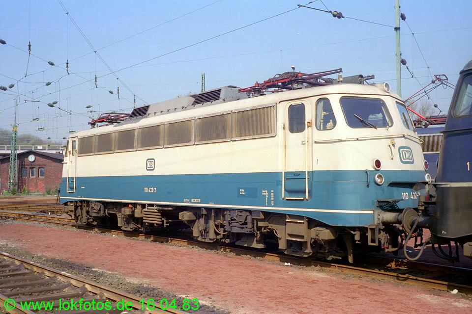 http://www.lokfotos.de/fotos/1983/0416/01966.jpg