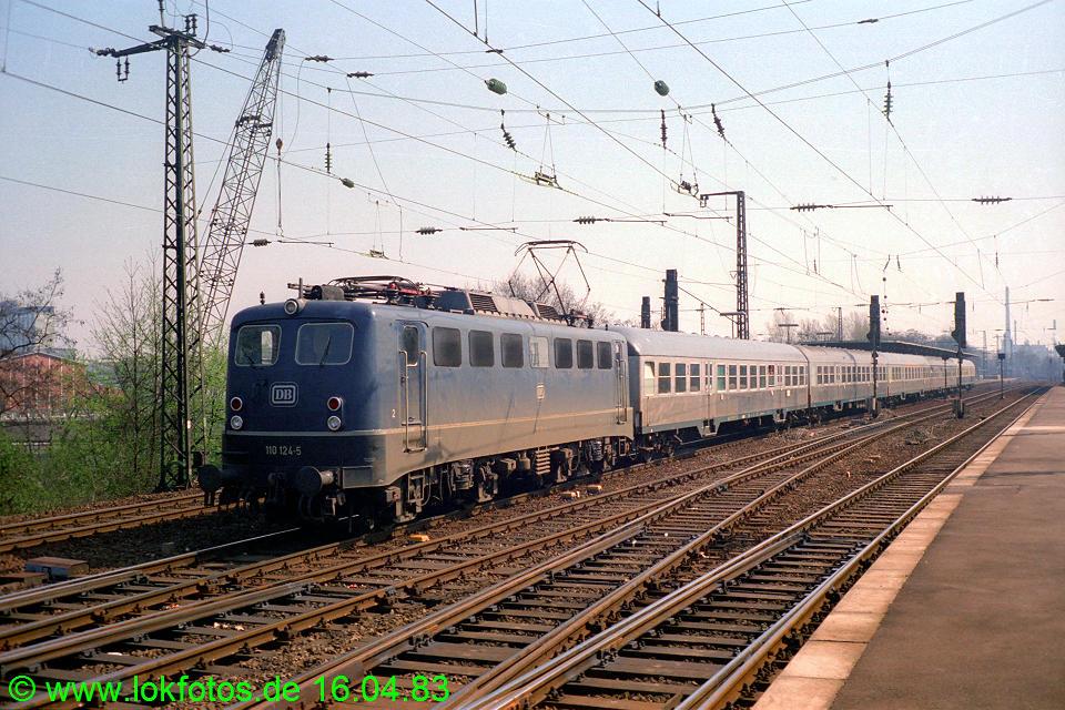 http://www.lokfotos.de/fotos/1983/0416/01978.jpg
