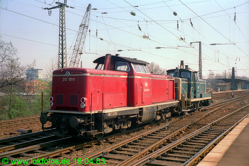 http://www.lokfotos.de/fotos/1983/0416/01985.jpg