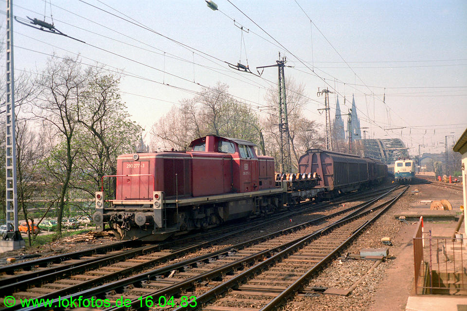 http://www.lokfotos.de/fotos/1983/0416/01986.jpg
