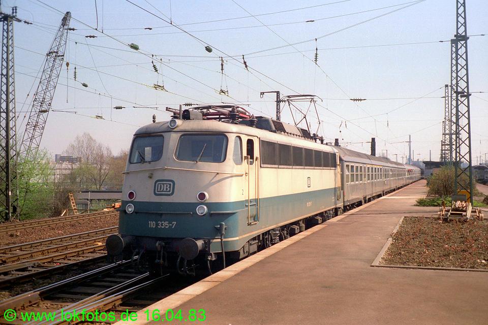 http://www.lokfotos.de/fotos/1983/0416/01987.jpg