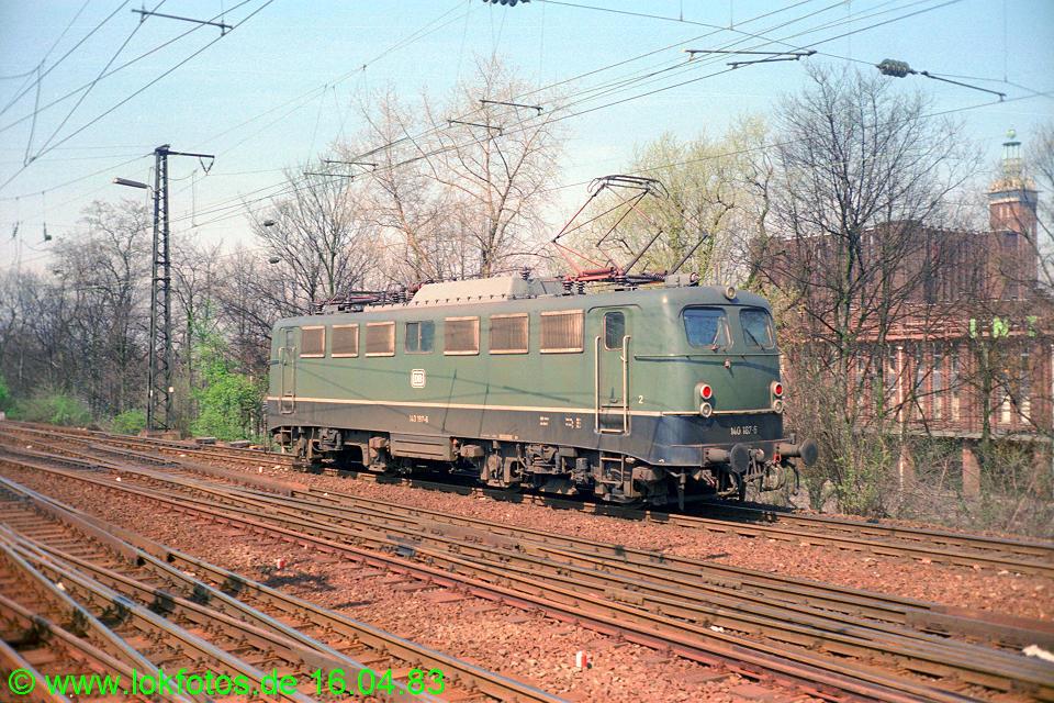http://www.lokfotos.de/fotos/1983/0416/01988.jpg