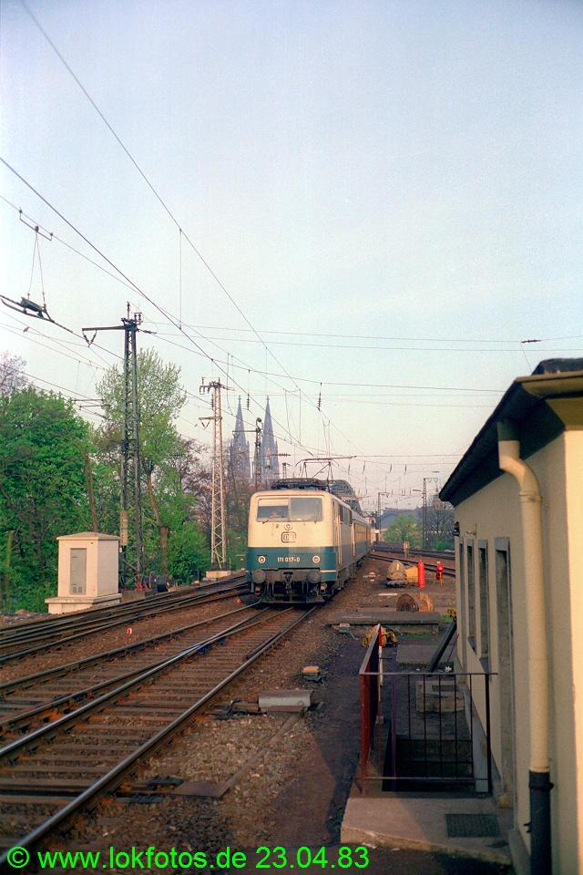 http://www.lokfotos.de/fotos/1983/0423/01997.jpg