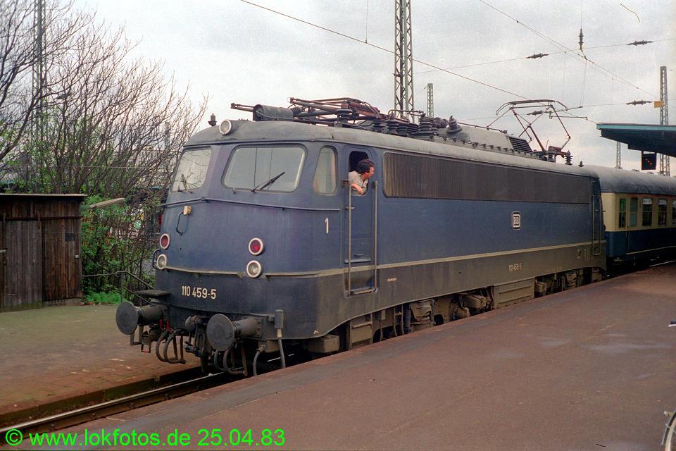 http://www.lokfotos.de/fotos/1983/0425/02017.jpg