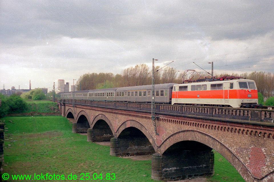 http://www.lokfotos.de/fotos/1983/0425/02033.jpg