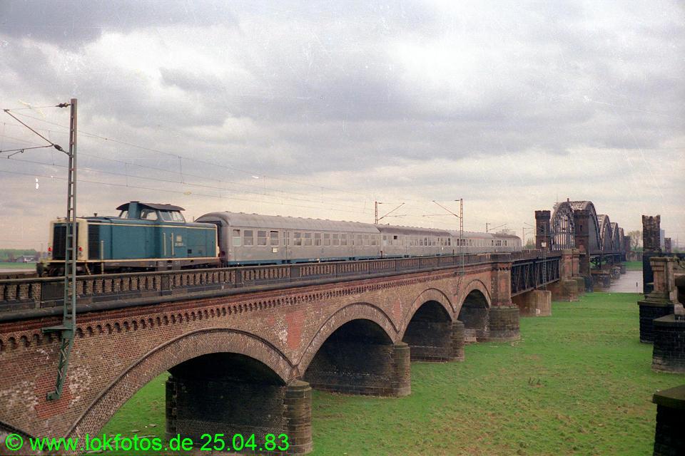 http://www.lokfotos.de/fotos/1983/0425/02035.jpg