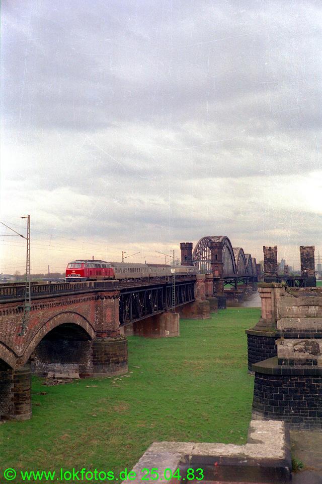 http://www.lokfotos.de/fotos/1983/0425/02037.jpg