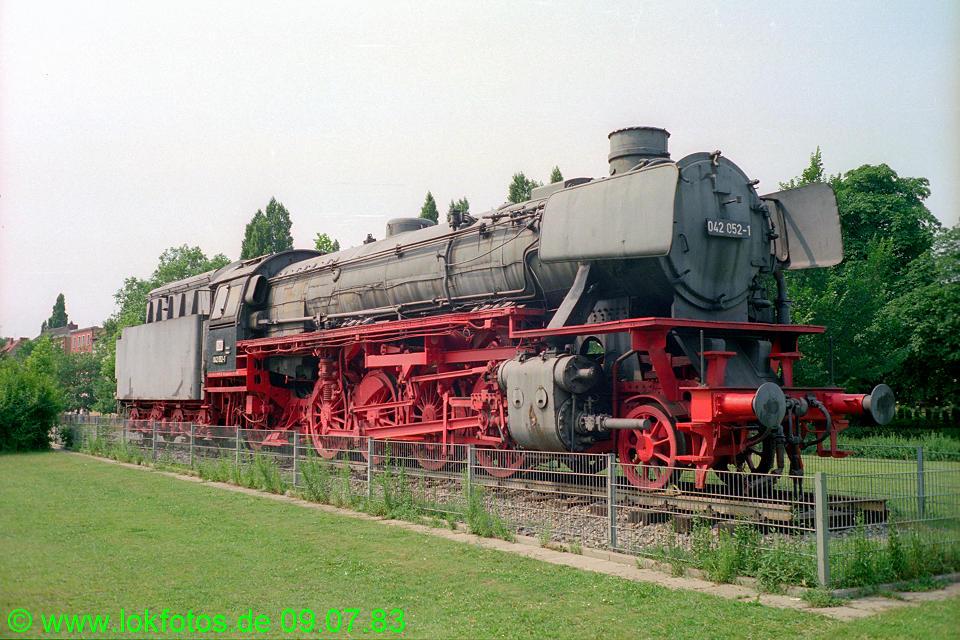 http://www.lokfotos.de/fotos/1983/0709/02257.jpg