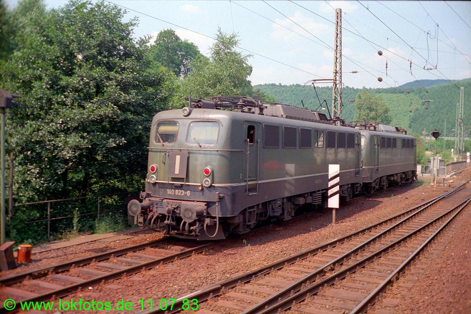 http://www.lokfotos.de/fotos/1983/0711/02311.jpg