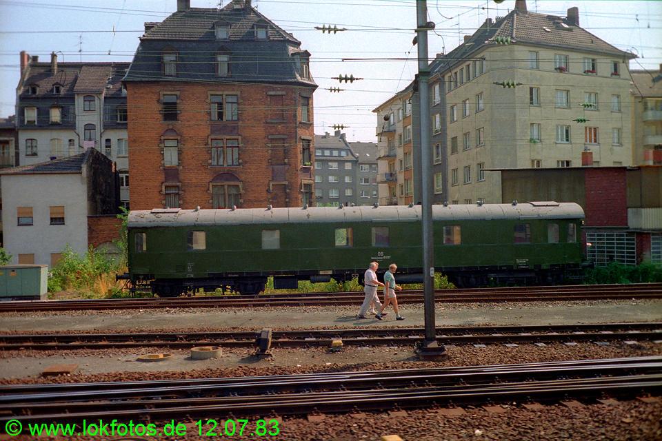 http://www.lokfotos.de/fotos/1983/0712/02314.jpg