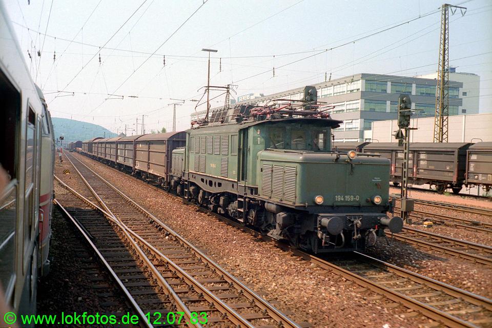 http://www.lokfotos.de/fotos/1983/0712/02318.jpg