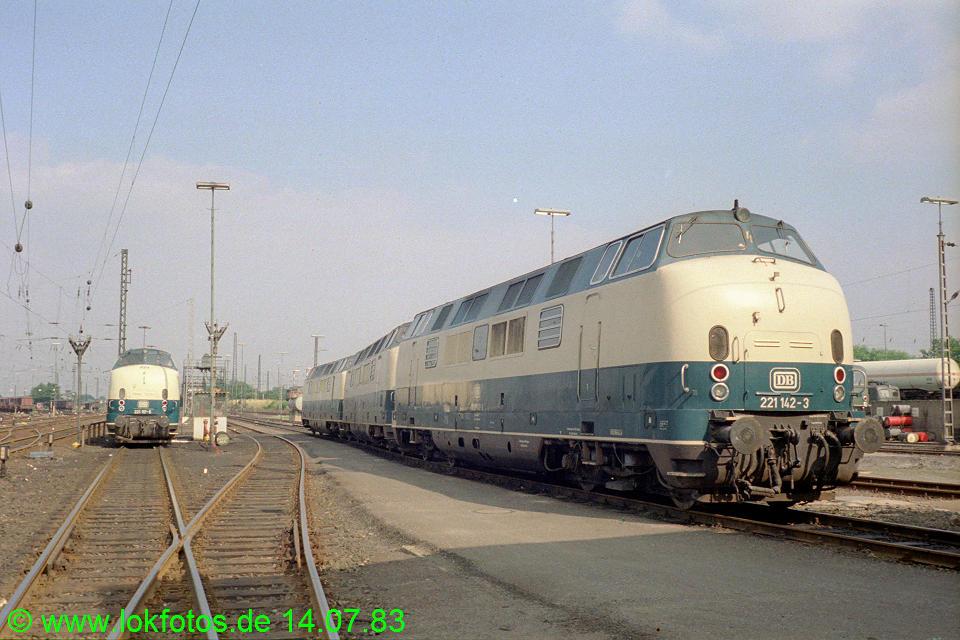 http://www.lokfotos.de/fotos/1983/0714/02467.jpg