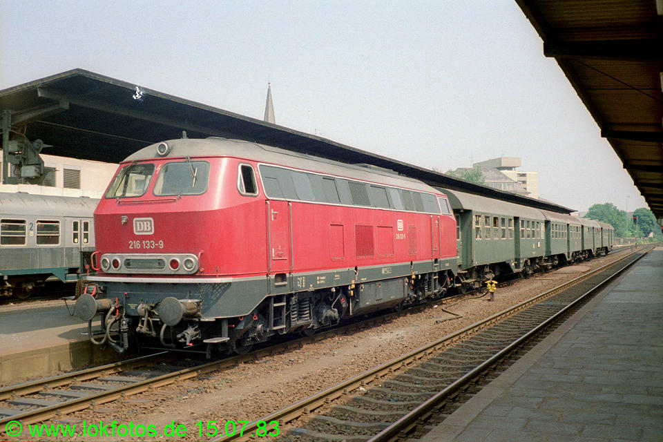 http://www.lokfotos.de/fotos/1983/0715/02489.jpg