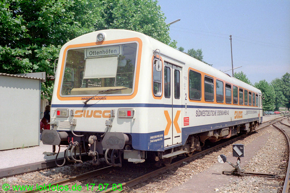 http://www.lokfotos.de/fotos/1983/0717/02491.jpg