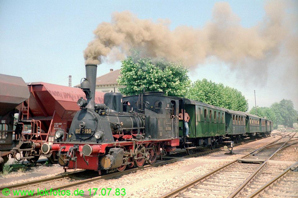 http://www.lokfotos.de/fotos/1983/0717/02494.jpg
