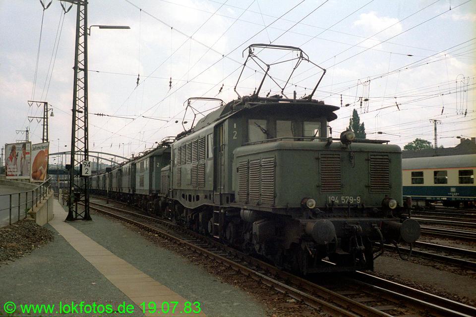 http://www.lokfotos.de/fotos/1983/0719/02552.jpg